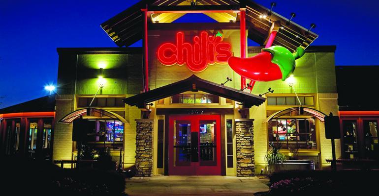 Chili's_ext_night.jpg