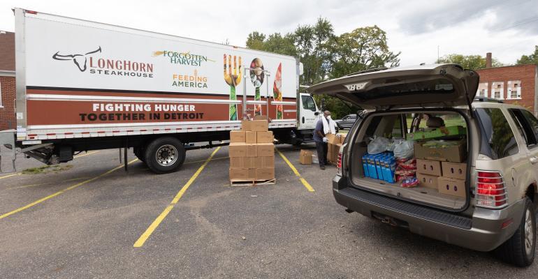 Darden-Donates-Trucks-Forgotten-Harvest-Detroit-Michigan.jpg