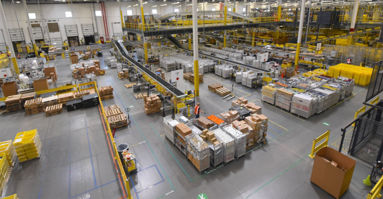 Amazon_warehouse_photo.png