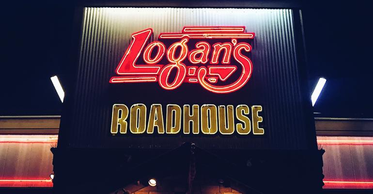 Logan's Roadhouse_signage_night_2018b.jpg