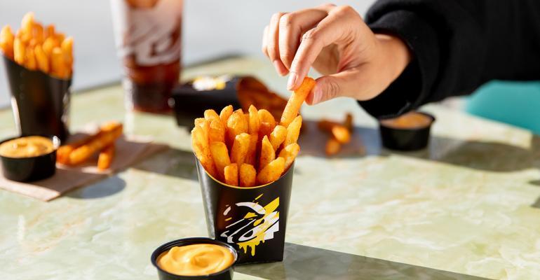 Taco-Bell-Brings-Back-Nacho-Fries-for-2020.jpg