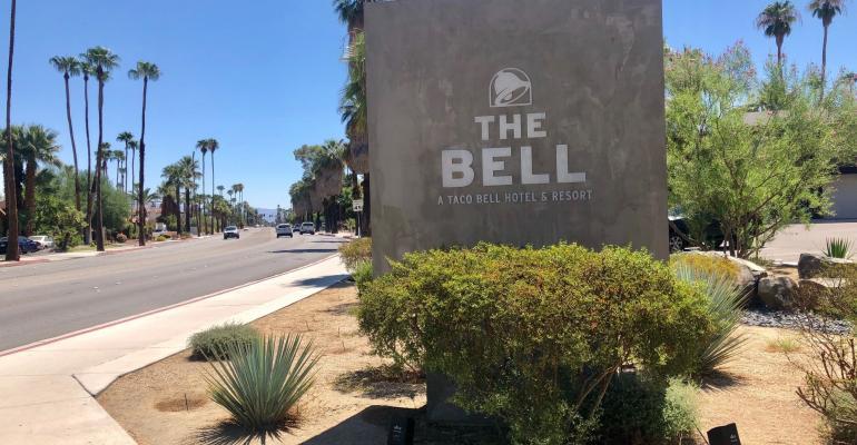 Taco-Bell-hotel.jpg