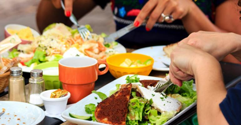 Casual-dining chains target lunch daypart