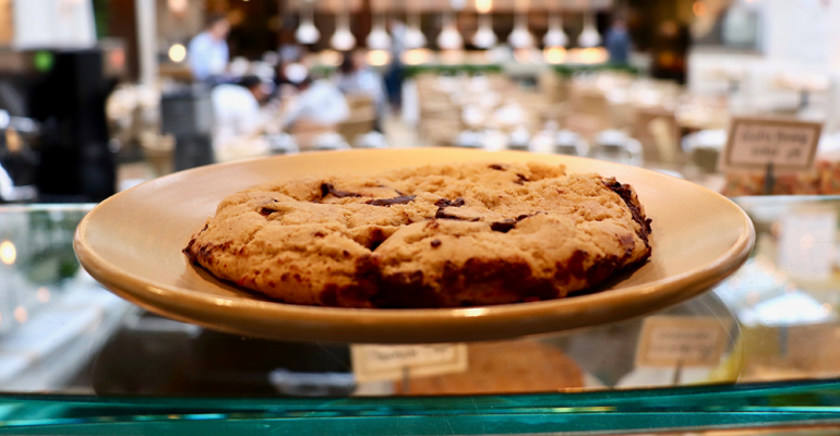 summer_house_vegan_chocolate_chip_cookie_2.png