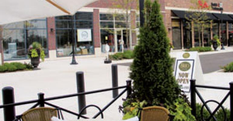 Revitalized shopping malls look to provide dining destinations