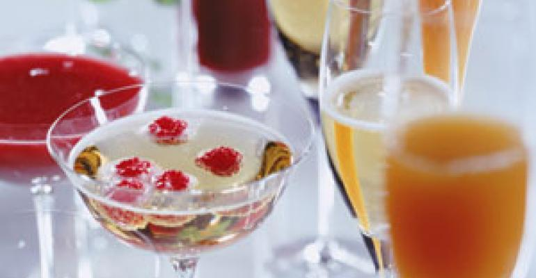 Alcoholic beverage sales to rise in 2011