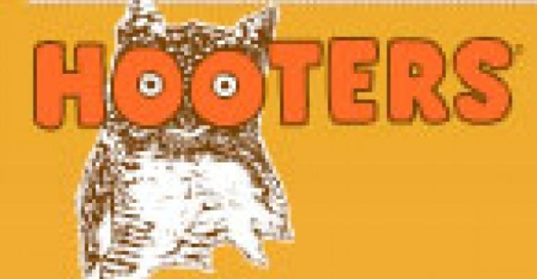 Hooters sold to Chanticleer Holdings