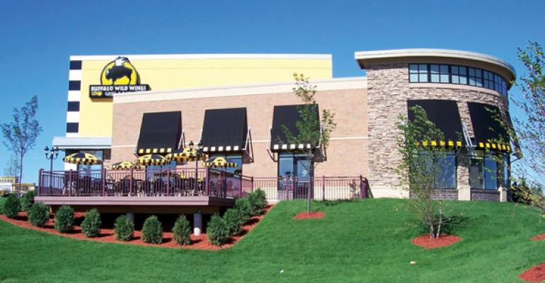 Buffalo Wild Wings carries sales momentum into 2Q