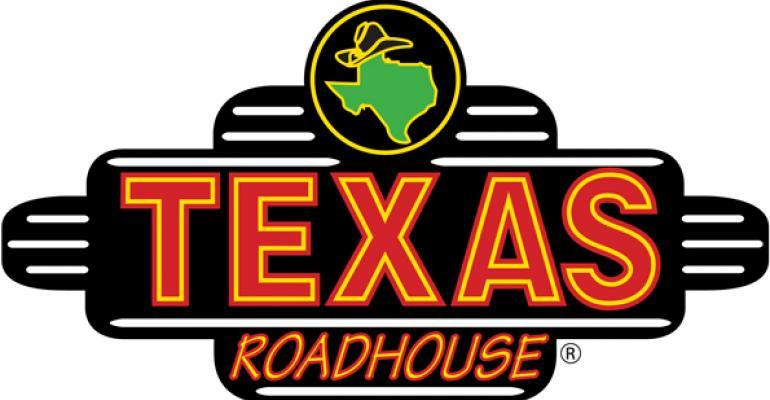 Texas Roadhouse 1Q profit, sales rise slightly