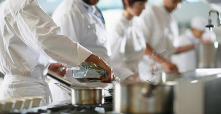 People Report: Restaurant industry labor market remains tight