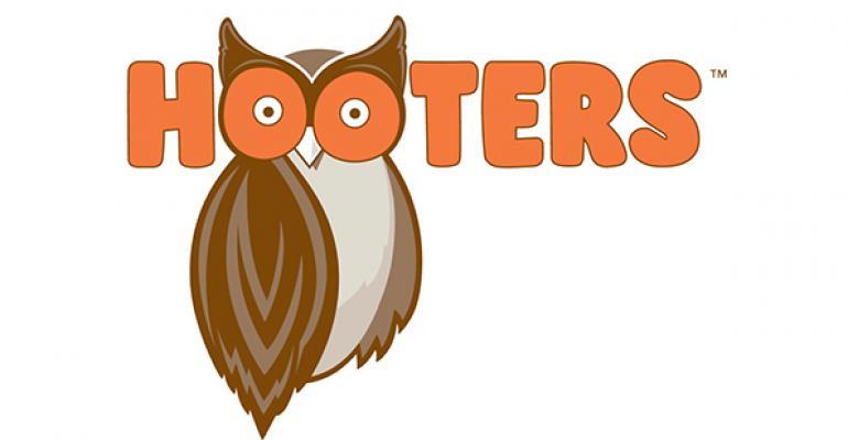 Hooters names Carl Sweat CMO