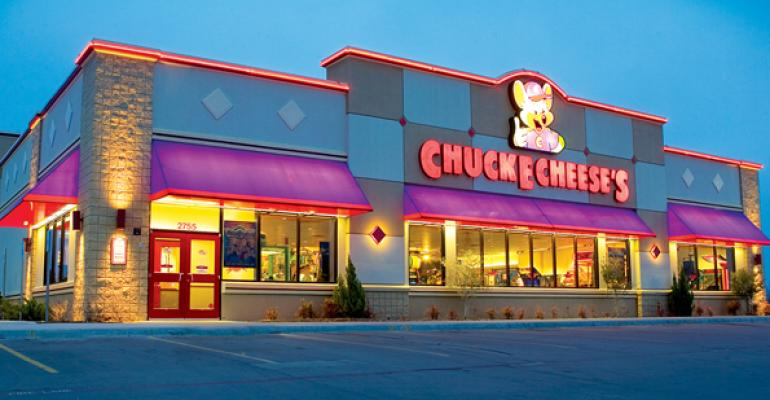 Chuck E. Cheese's to emphasize marketing to parents