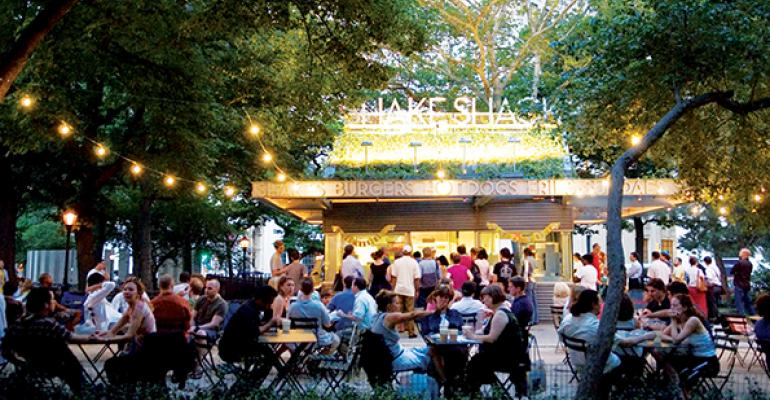 Shake Shack reports 1Q double-digit sales, revenue increase
