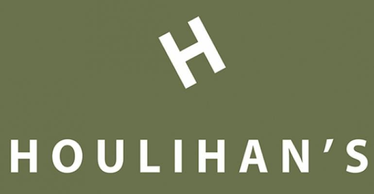 Houlihans logo