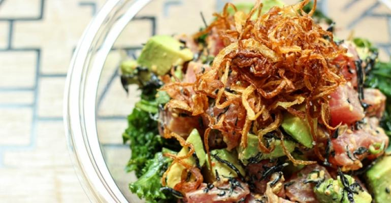 Spicy Tuna with Citrus Kale base