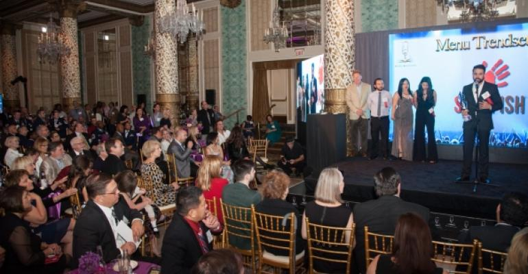 Slapfish executives accept award for Menu Trendsetter