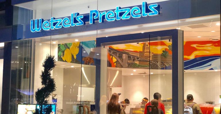 wetzels-pretzels-exterior-promo-nancy-luna.png