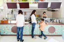 qsr-cashier.jpg