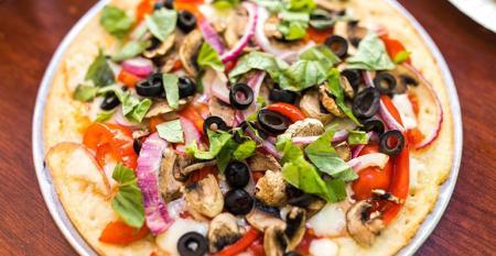 Cauliflower_Crust_Credit-_Joe_s_Pizza_(owned_by_LA-based_Playhouse_Group).jpg