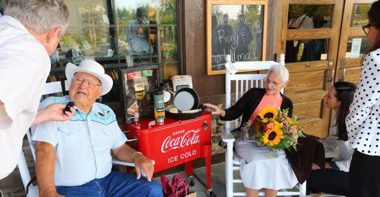 80-year-old couple has visited every Cracker Barrel location in US