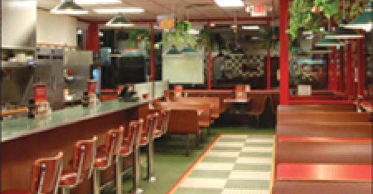 Rebranded Huddle House takes on QSR neighbors