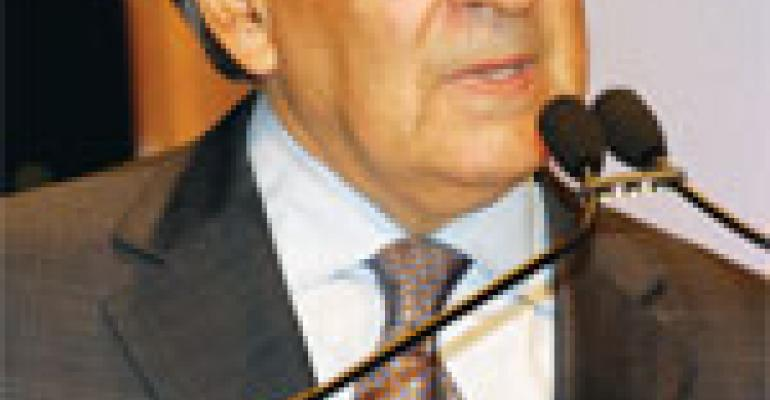 Keynote speaker Panetta talks politics with restaurateurs