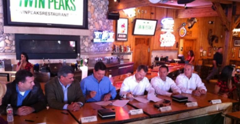 'Breastaurant' chain Twin Peaks taps Hooters execs for growth