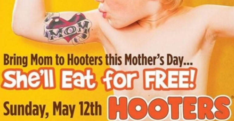Hooters Ad