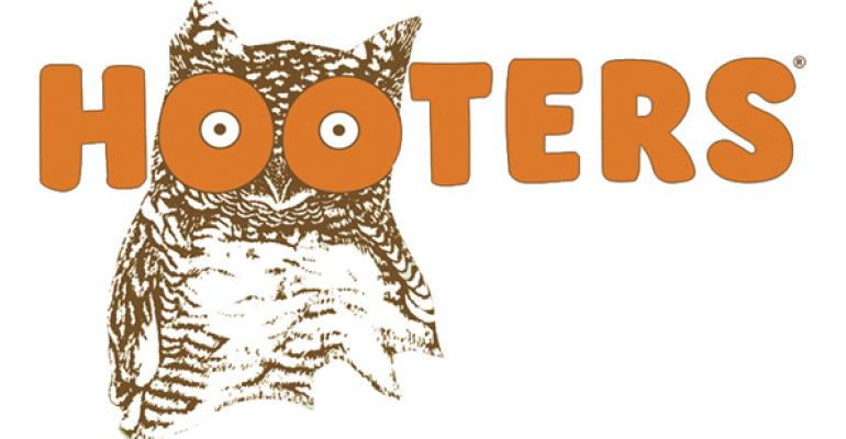 Hooters debuts late-night menu