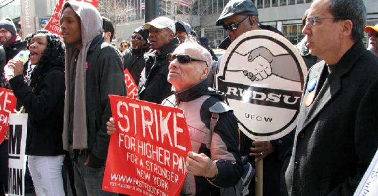 Quickservice workers and supporters on strike in New York this spring