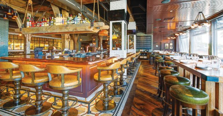 The bar at Water Grill