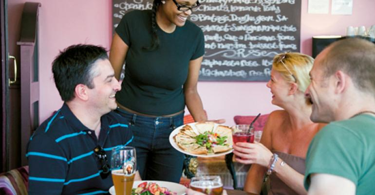 Report: Restaurant industry sees strong start to 2015