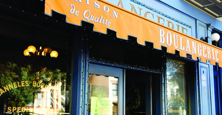 Starbucks to close all La Boulange units