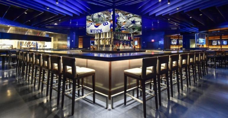 Stadium club restaurant opens at dallas cowboys home for Dining options at at t stadium