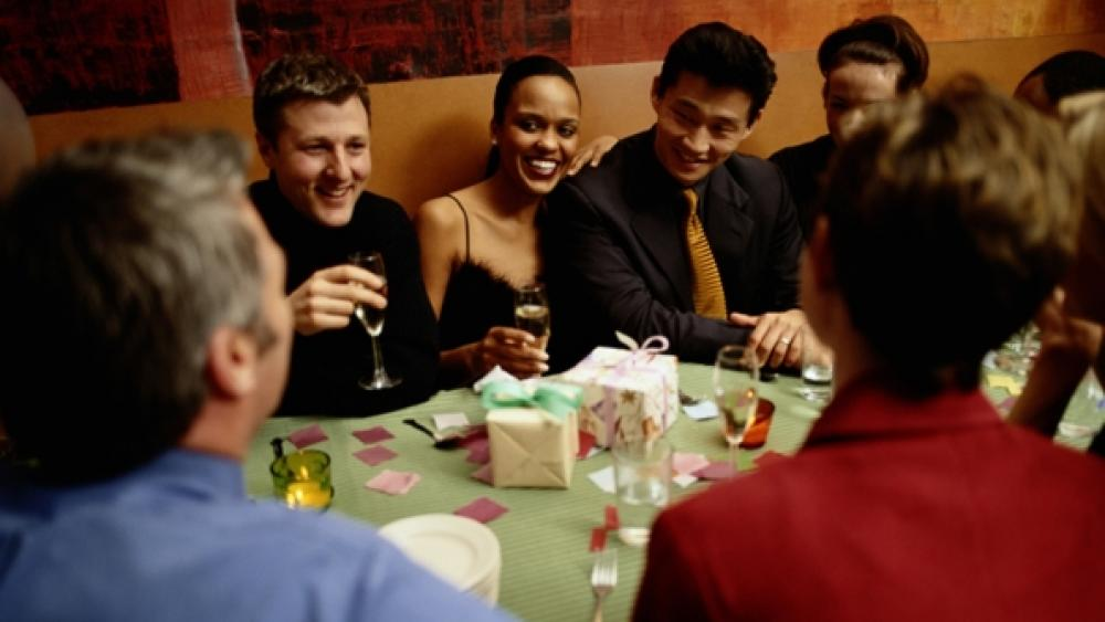 Restaurants expect stronger holiday party season