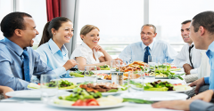 businesspeople-lunch595-x335.png